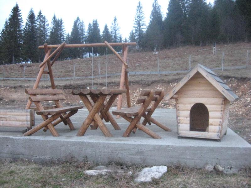 Баштенски намештај - Сто, клупе, љуљашка, кућица за псе
